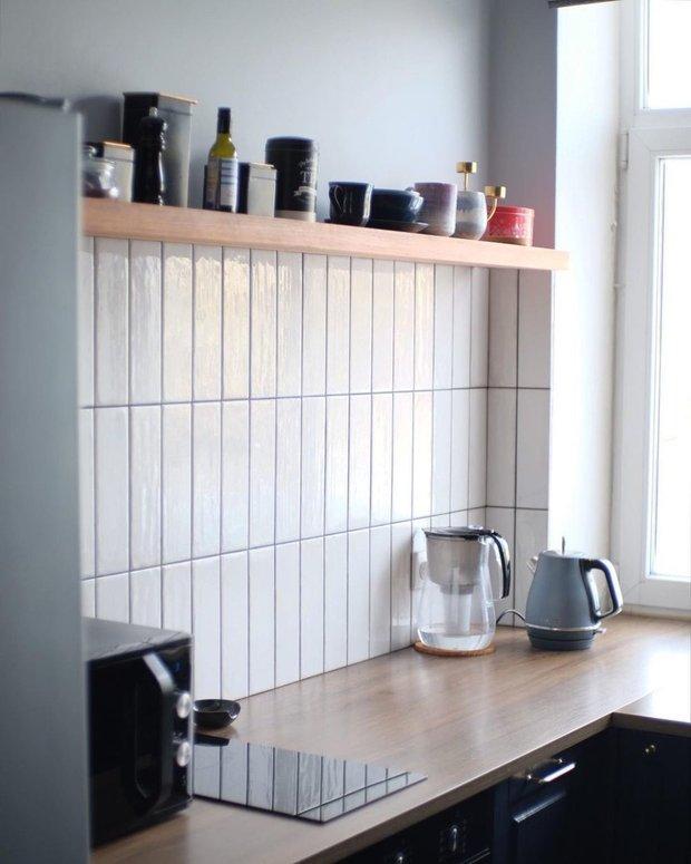 Полка для посуды из сосны обошлась в 5200 рублей, заказывали в Красноярске.