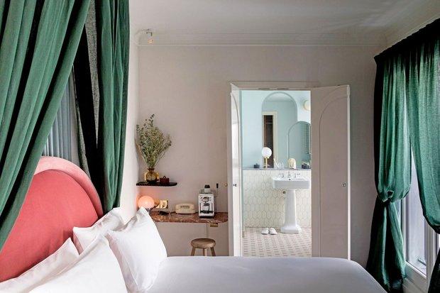 Фотография: Спальня в стиле Восточный, Декор интерьера, Париж, Жан Луи Денио, Ора Ито – фото на INMYROOM