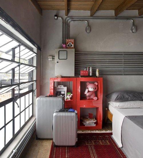 Фотография: Спальня в стиле Лофт, Декор интерьера, Освещение, Декор, Мебель и свет, Декор дома – фото на InMyRoom.ru