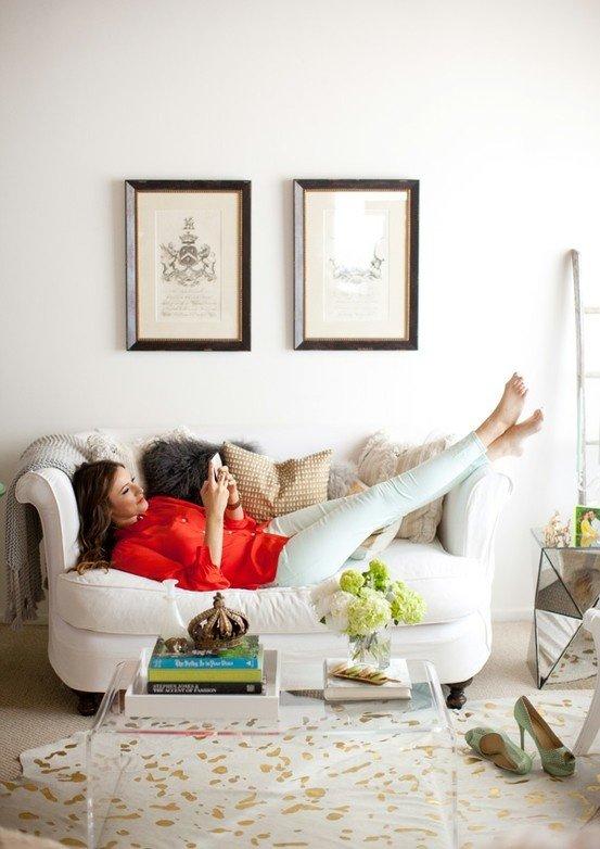 Фотография: Кабинет в стиле , Гостиная, Декор интерьера, Малогабаритная квартира, Квартира, Интерьер комнат, Декор, Мебель и свет, Советы, дизайн гостиной, идеи для гостиной, маленькая гостиная, как увеличить маленькую гостиную, идеи для маленькой гостиной, мебель для маленькой гостиной, планировка маленькой гостиной – фото на INMYROOM