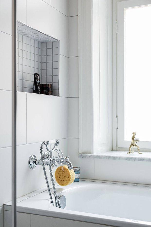 Фотография: Ванная в стиле Современный, Скандинавский, Эклектика, Декор интерьера, Квартира, Швеция, Бежевый, Стокгольм, кухня-гостиная с барной стойкой, Как оформить кухню в современном стиле, 4 и больше, Более 90 метров – фото на INMYROOM