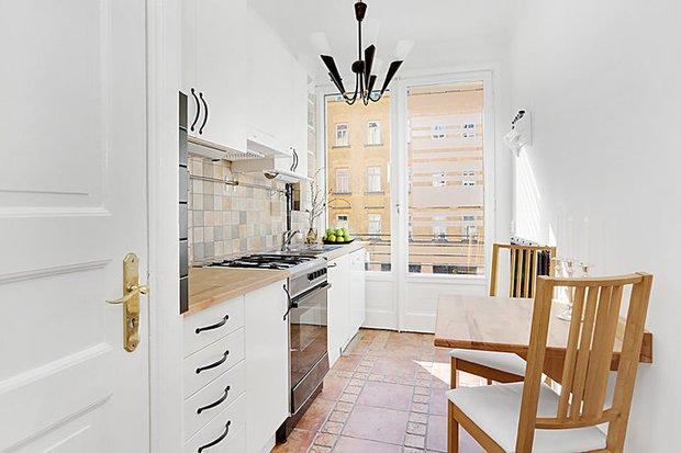 Фотография: Кухня и столовая в стиле Скандинавский, Малогабаритная квартира, Квартира, Дома и квартиры, Стокгольм – фото на INMYROOM