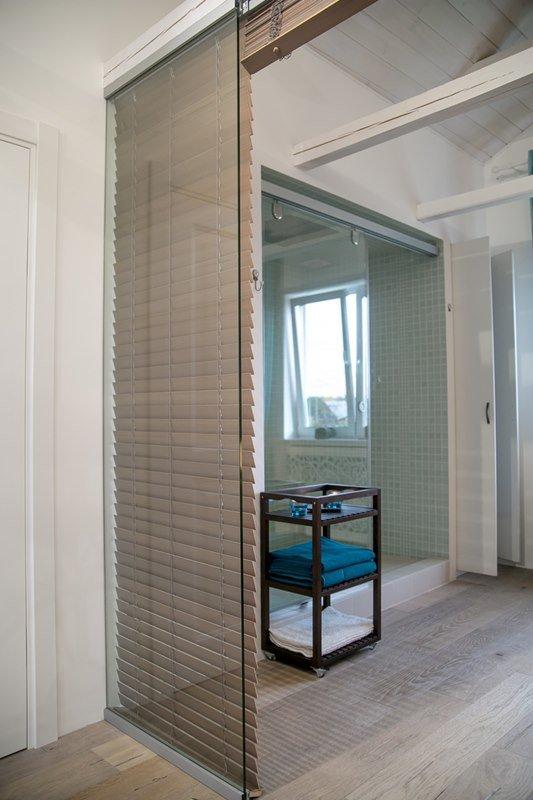 Фотография:  в стиле Скандинавский, Интерьер комнат, Дача, Дачный ответ, Мансарда – фото на INMYROOM