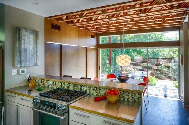 Фотография: Кухня и столовая в стиле Лофт, Дом, Дома и квартиры, Дача – фото на InMyRoom.ru