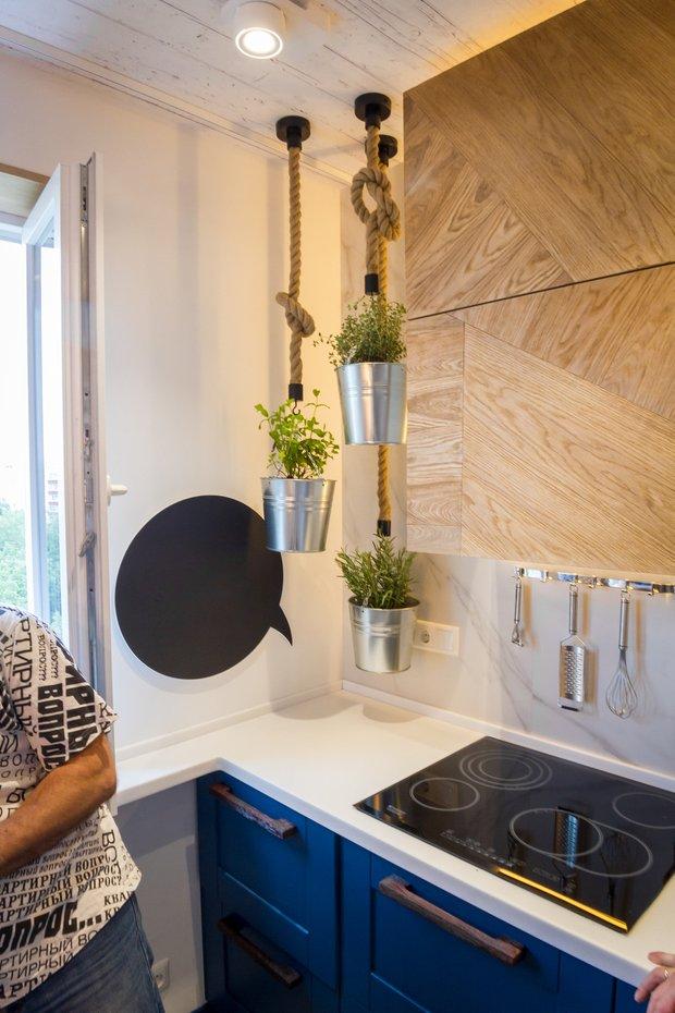 Фотография:  в стиле , Кухня и столовая, Лофт, Эклектика, Белый, Проект недели, Синий, Эко, Макс Жуков, ToTaste Studio – фото на InMyRoom.ru