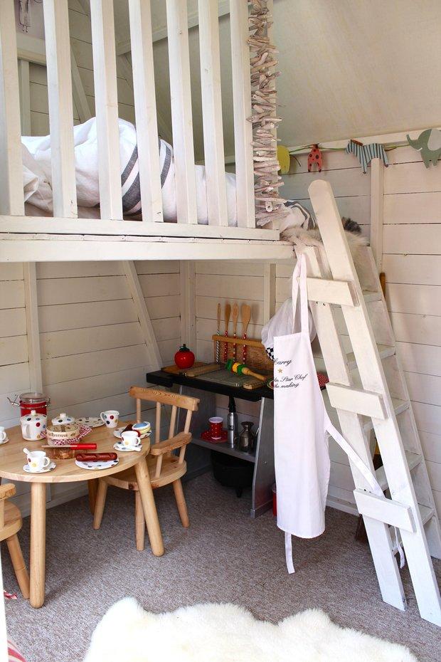 Фотография: Кухня и столовая в стиле Прованс и Кантри, Детская, Интерьер комнат – фото на InMyRoom.ru