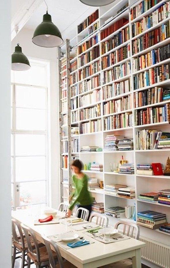 Фотография: Кухня и столовая в стиле Скандинавский, Современный, Системы хранения, Библиотека, Домашняя библиотека – фото на INMYROOM