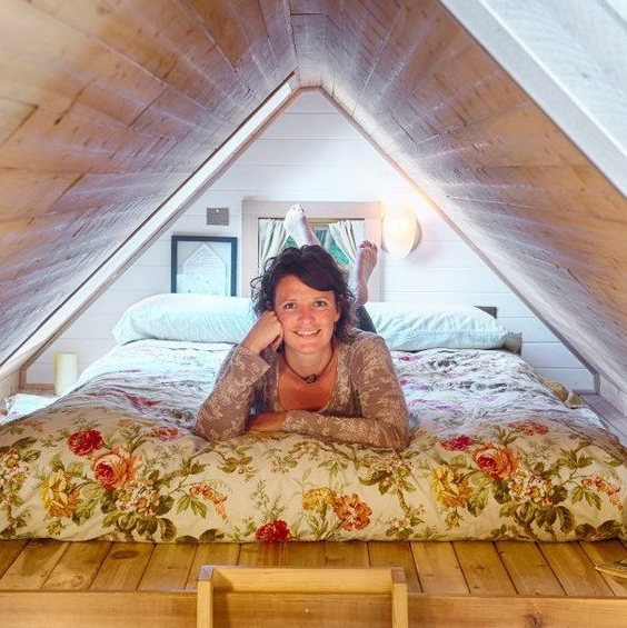 Фотография: Спальня в стиле Современный, Малогабаритная квартира, Дом, США, Дома и квартиры, Чердак, Дом на колесах – фото на INMYROOM