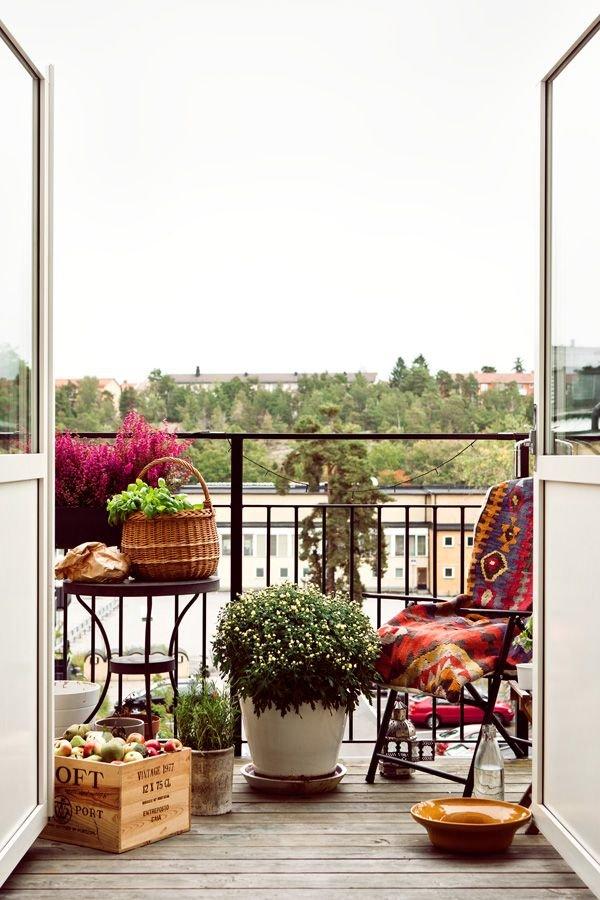 Фотография: Балкон в стиле Прованс и Кантри, Квартира, Декор, Советы, как обустроить маленький балкон, идеи для маленького балкона, декор балкона – фото на INMYROOM
