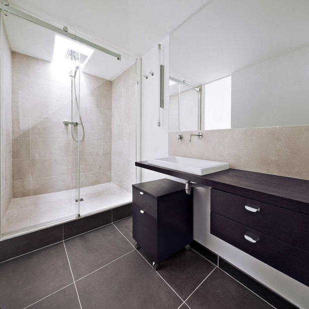 Фотография: Ванная в стиле Современный, Квартира, Франция, Мебель и свет, Дома и квартиры, Париж – фото на INMYROOM