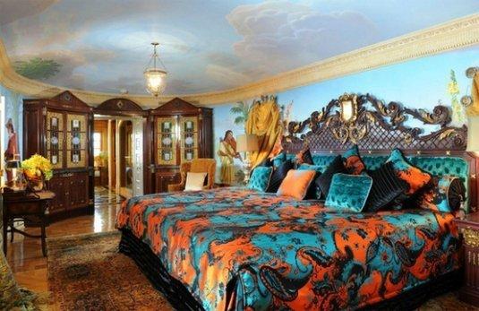 Фотография: Спальня в стиле Классический, Дома и квартиры, Интерьеры звезд – фото на INMYROOM