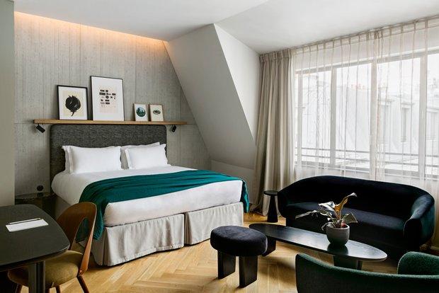 Фотография: Спальня в стиле Современный, Декор интерьера, Париж, Жан Луи Денио, Ора Ито – фото на INMYROOM