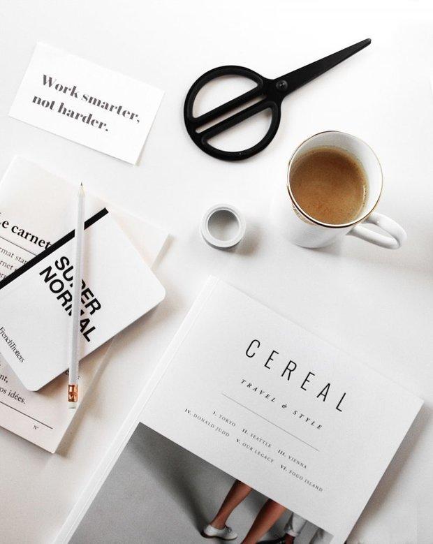 Фотография: Гостиная в стиле Классический, Современный, Читать, смотреть, слушать – фото на INMYROOM