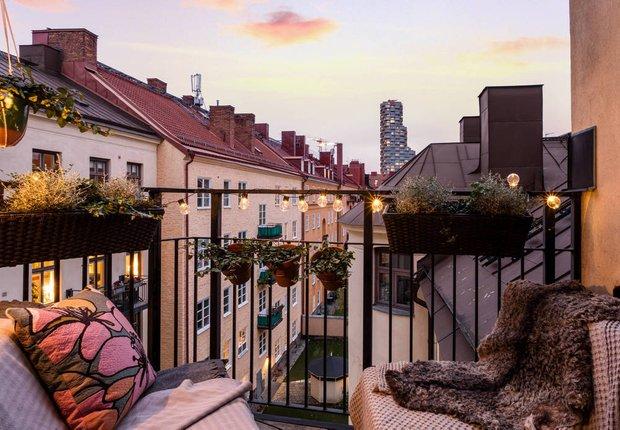 Фотография: Балкон в стиле Скандинавский, Классический, Декор интерьера, Швеция, Бежевый, Стокгольм, Серый, 3 комнаты, 60-90 метров – фото на INMYROOM