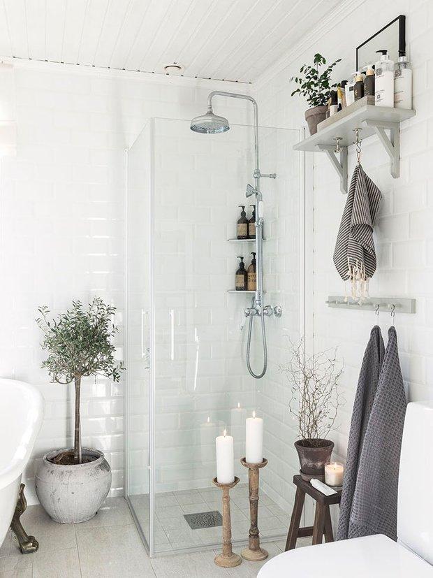 Фотография: Ванная в стиле Прованс и Кантри, Скандинавский, Декор интерьера, Дом, Швеция, Эко – фото на INMYROOM