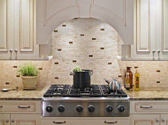 Фотография: Кухня и столовая в стиле Классический, Декор интерьера, Интерьер комнат, Плитка – фото на INMYROOM