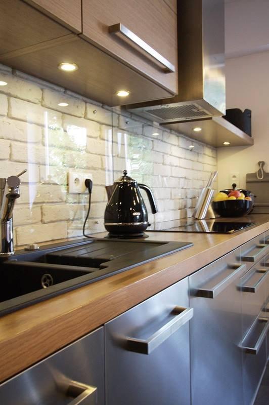 Фотография: Кухня и столовая в стиле Современный, Хай-тек, Лофт, Квартира, Дома и квартиры, Индустриальный, Польша – фото на INMYROOM