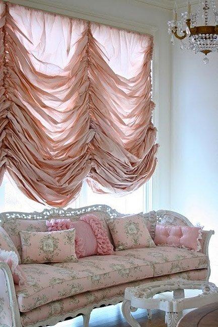 Фотография: Гостиная в стиле Классический, Современный, Декор интерьера, Текстиль, Подушки, Шторы – фото на INMYROOM