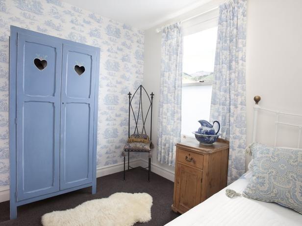Фотография: Спальня в стиле Прованс и Кантри, Декор интерьера, Декор дома, Цвет в интерьере, Белый, Ретро, Шебби-шик – фото на INMYROOM