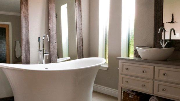 Фотография: Ванная в стиле Прованс и Кантри, DIY, Дом, Цвет в интерьере, Дома и квартиры, Белый – фото на INMYROOM