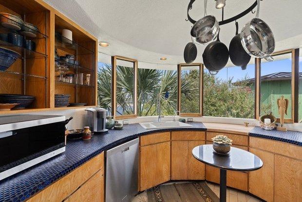 Фотография: Кухня и столовая в стиле Эко, Дом, Гид, Индивидуальный проект – фото на INMYROOM