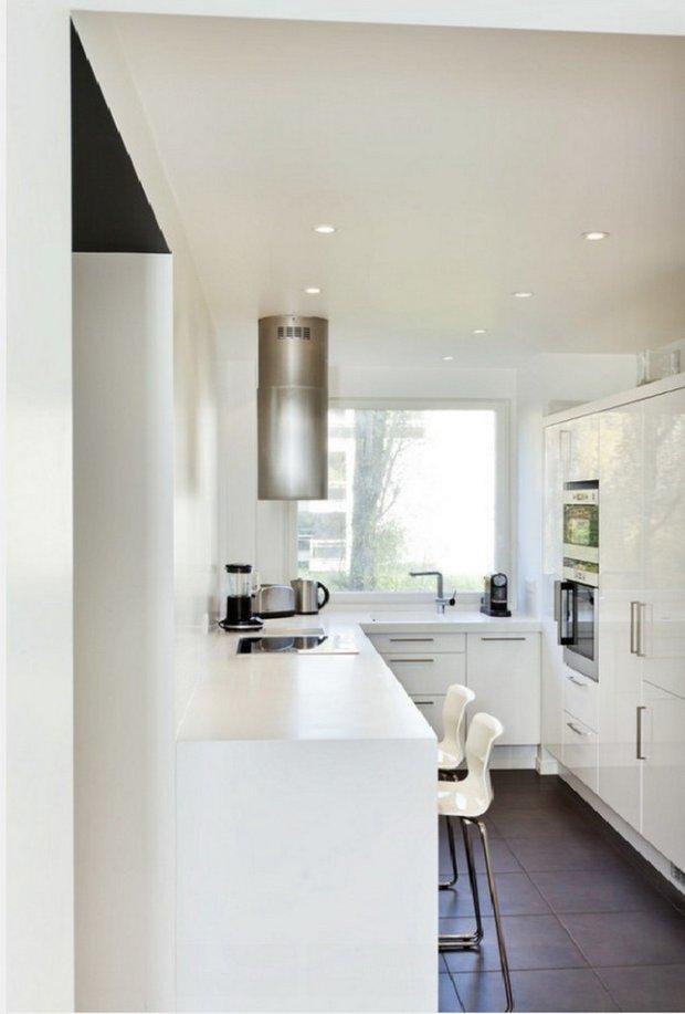 Фотография: Кухня и столовая в стиле Минимализм, Перепланировка – фото на INMYROOM