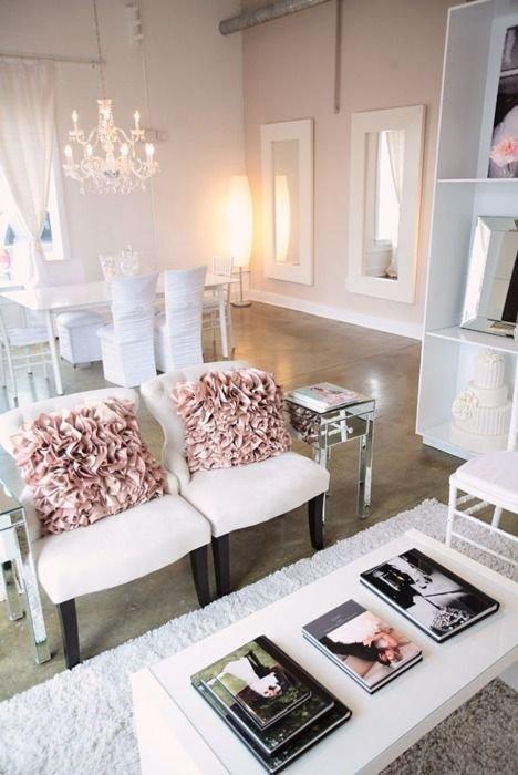 Фотография: Гостиная в стиле Скандинавский, Декор интерьера, Текстиль, Подушки – фото на INMYROOM