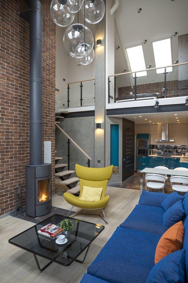 Фотография: Гостиная в стиле Скандинавский, Лофт, Квартира, Проект недели – фото на INMYROOM