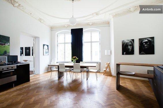 Фотография: Спальня в стиле Прованс и Кантри, Стиль жизни, Советы, Париж, Airbnb – фото на InMyRoom.ru