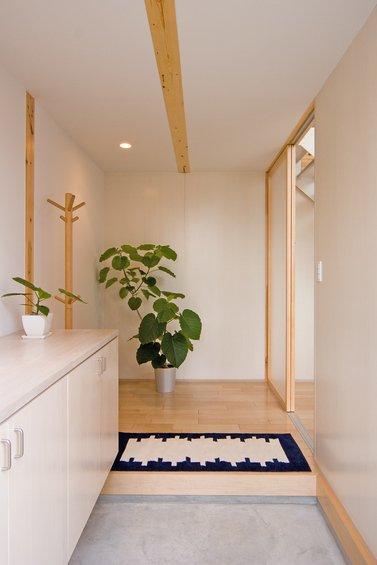 Фотография: Прихожая в стиле Эко, Дом, Дома и квартиры, Япония – фото на INMYROOM