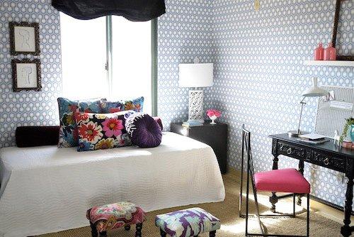 Фотография: Декор в стиле Прованс и Кантри, Гостиная, Спальня, Современный, Мебель и свет, Белый, Отель, Переделка, Черный, Голубой – фото на INMYROOM