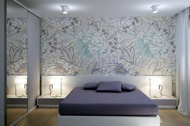 Фотография: Спальня в стиле Современный, Декор интерьера, Малогабаритная квартира, Квартира, Дома и квартиры, Советы, Зеркало – фото на InMyRoom.ru