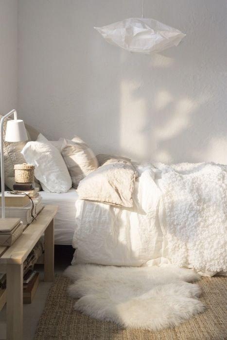 Фотография:  в стиле , Спальня, Декор интерьера, Советы, обновление интерьера за выходные – фото на INMYROOM