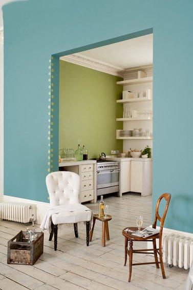 Фотография: Кухня и столовая в стиле Прованс и Кантри, Декор интерьера, Дизайн интерьера, Цвет в интерьере, Dulux, ColourFutures, Akzonobel, Краски – фото на INMYROOM