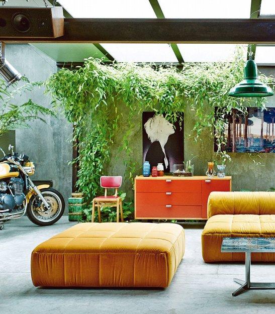 Фотография: Гостиная в стиле Лофт, Дома и квартиры, Интерьеры звезд, Индустриальный – фото на INMYROOM