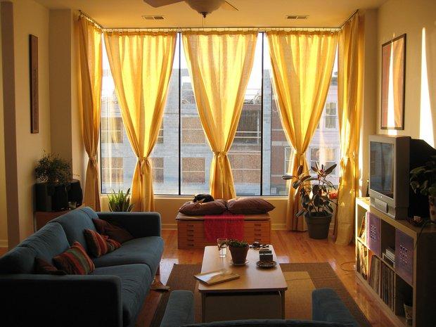 Фотография: Гостиная в стиле Современный, Стиль жизни, Советы, Окна – фото на INMYROOM