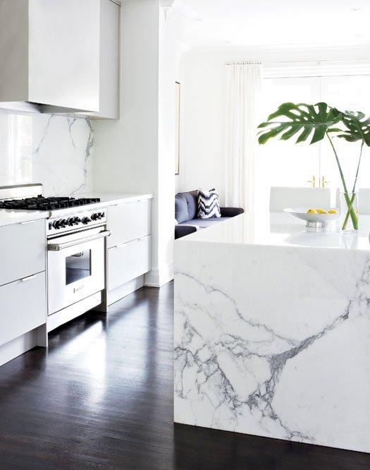 Фотография: Кухня и столовая в стиле Современный, Классический, Декор интерьера, Дом, Дома и квартиры, Неоклассика – фото на INMYROOM
