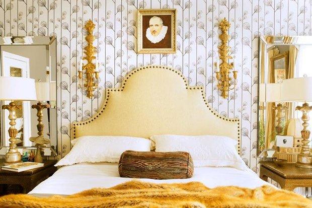 Фотография: Спальня в стиле , Декор интерьера, Франция, Антиквариат, Цвет в интерьере, Индустрия, Люди, История дизайна, Ампир – фото на INMYROOM