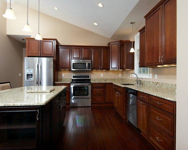 Фотография: Кухня и столовая в стиле Классический, Современный, Хай-тек, Интерьер комнат, Тема месяца – фото на INMYROOM