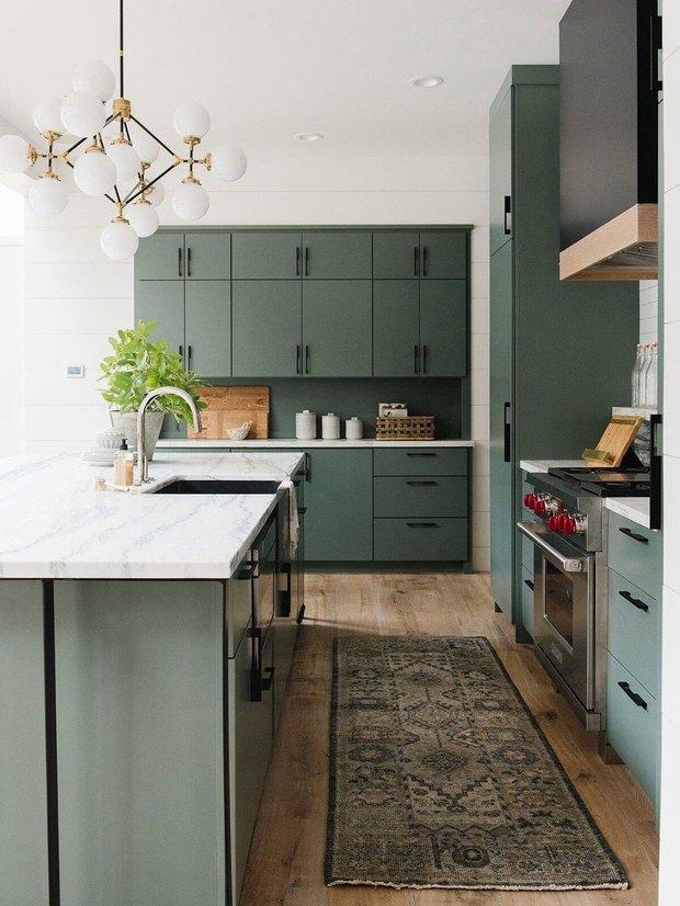 Фотография: Кухня и столовая в стиле Скандинавский, Атмосфера в доме – фото на INMYROOM