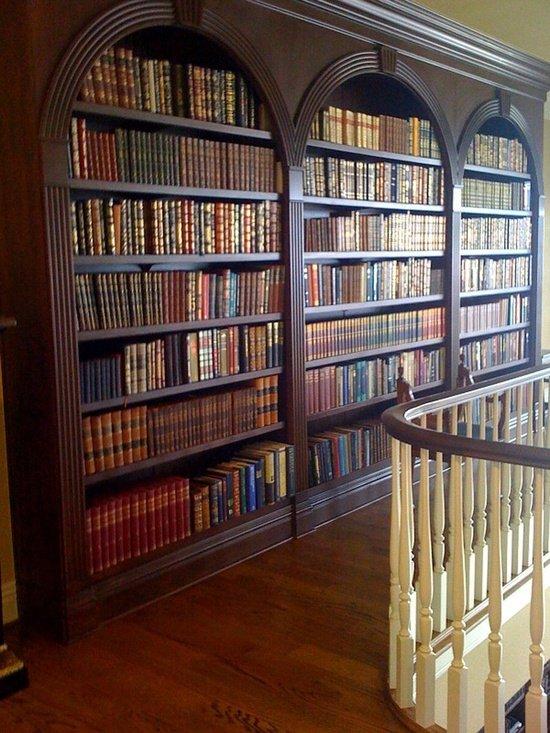 Фотография:  в стиле Классический, Современный, Системы хранения, Библиотека, Домашняя библиотека – фото на INMYROOM