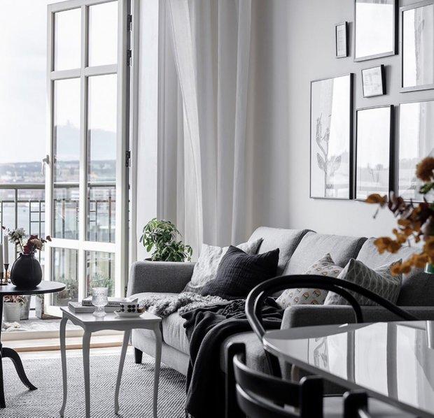 Фотография: Гостиная в стиле Современный, Скандинавский, Декор интерьера, Квартира, Швеция, Белый, Черный, Стокгольм, ИКЕА, хранение вещей, хранение в ванной комнате, 3 комнаты, 60-90 метров – фото на INMYROOM