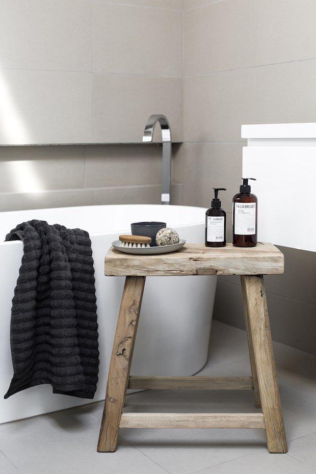 Фотография: Ванная в стиле Скандинавский, Советы, уборка дома, уборка на кухне, аллергия, чем опасна губка, тряпка для уборки – фото на INMYROOM