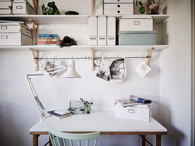 Фотография: Кабинет в стиле Скандинавский, Декор интерьера, как обустроить рабочее место дома, рабочее место в квартире, обустройство рабочего места – фото на INMYROOM