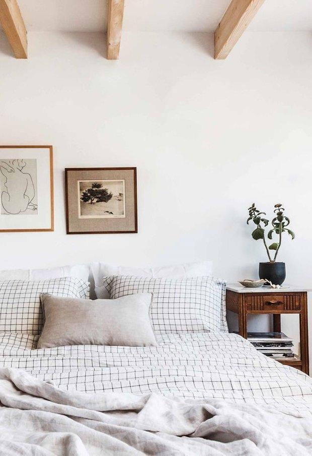Фотография: Спальня в стиле Скандинавский, Бежевый, Серый, Дом и дача – фото на INMYROOM