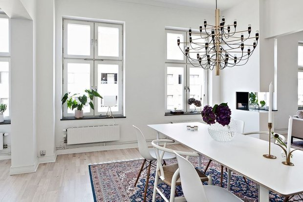 Фотография: Кухня и столовая в стиле Современный, Скандинавский, Декор интерьера, Квартира, Швеция, Мебель и свет, скандинавский интерьер, освещение в квартире, как выбрать освещение для комнаты, 3 комнаты, Более 90 метров – фото на INMYROOM