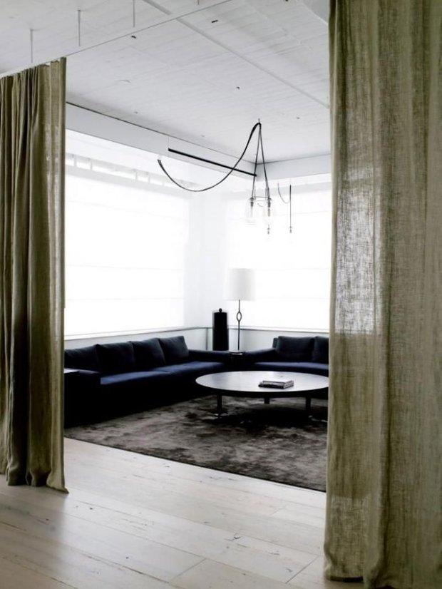 Фотография: Гостиная в стиле Лофт, Декор интерьера, Текстиль, Советы, Шторы, Балдахин – фото на INMYROOM