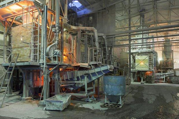Стеклоплавильная печь на заводе Kerama Marazzi в Орле