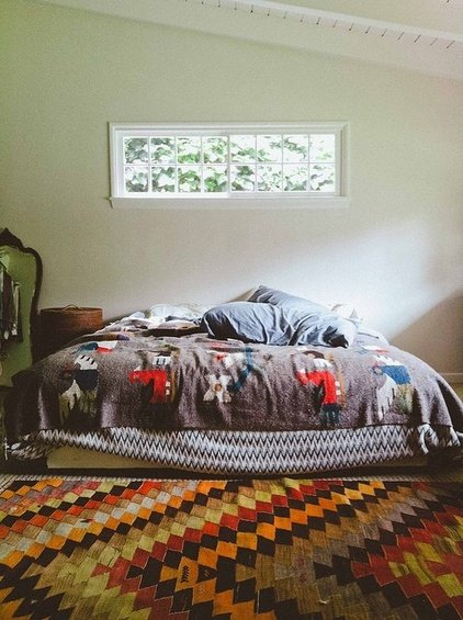 Фотография: Спальня в стиле Прованс и Кантри, Декор интерьера, DIY, Декор дома, Ковер – фото на INMYROOM