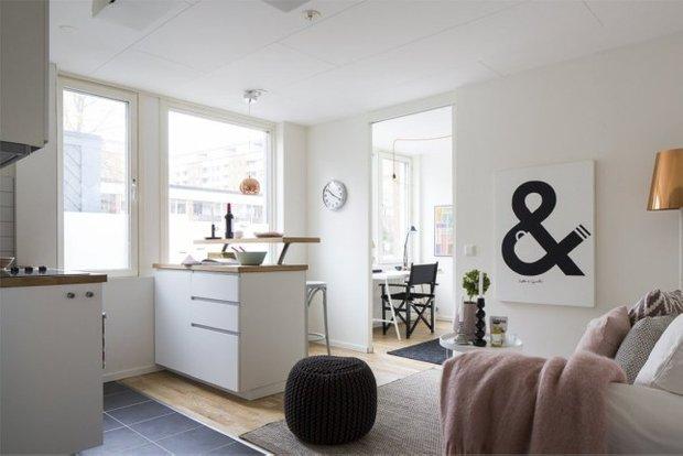 Фотография: Гостиная в стиле Скандинавский, Современный, Малогабаритная квартира, Квартира, Планировки, Хранение – фото на INMYROOM